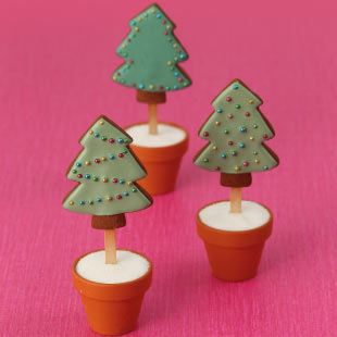 Easy Christmas Tree Cookie Pops