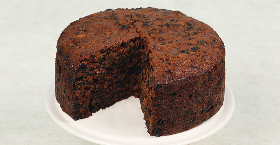 instant-expert-rich-fruit-cake-main.jpg