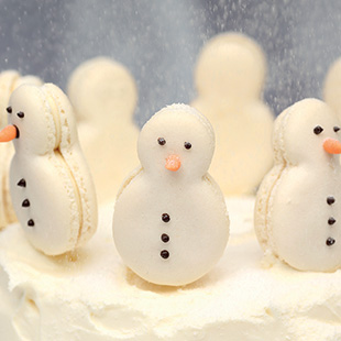 Adorable Snowman Macarons